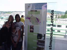 Students at Museum Lentos